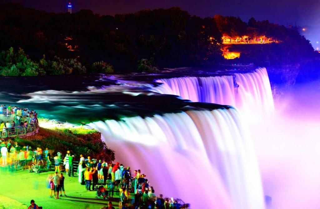 Nocturna de Cataratas del Niagara