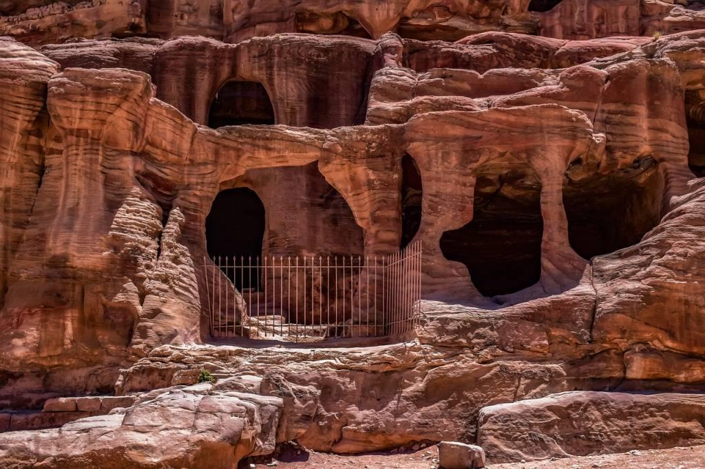 cuevas petra
